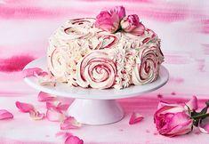 Käytä koristeluun vain kukkia, joiden myrkyttömyydestä olet varma. Voit myös suojata varret foliolla. Pretty Cakes, Cake Designs, Amazing Cakes, Sweet Tooth, Desserts, Decorating, Food, Girly Girl, Kite