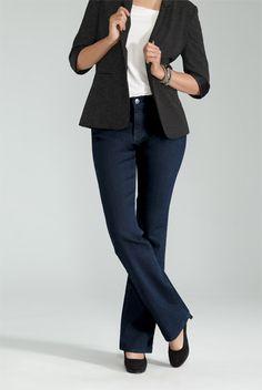 #reitmansjeans \ Slight Boot Cut Jean / Jean Jambe Semi-Évasée #ReitmansJeans #Jeans #Bleu #Blue #BlueJeans #Style