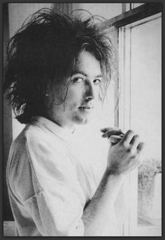 Robert Smith from stars magazine - thecure.cz