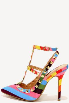 Shoe Daydreams: Imitation = Flattery? @lulusdotcom Party Trick vs @valentino #knockoff #shoes #heels #rockstud