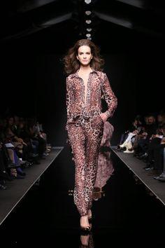 Rani Zakhem Printemps-été 2015 - Haute couture - http://fr.flip-zone.com/fashion/couture-1/independant-designers/rani-zakhem-5344