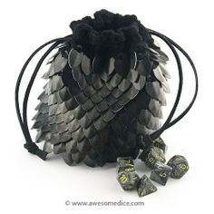 Large black dragonscale dice bag, hand knitted aluminum scales make this one of the coolest dice bags in the world. Scale Mail, Dungeons And Dragons Dice, Dragon Dies, Dice Bag, Dragon Scale, Black Thread, Fitness Gifts, Chainmaille, Large Bags
