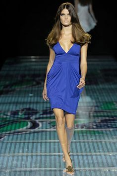 Versace Spring 2008 RTW - Runway Photos - Fashion Week - Runway, Fashion Shows and Collections - Vogue