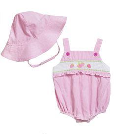 Adorable cute smocked baby dress with hat! Wholesale Baby Clothes, Baby Clothes Brands, Cheap Baby Clothes, Baby Clothes Australia, Baby Boy Outfits, Kids Outfits, Smocked Baby Clothes, One Piece Outfit, Pink Gingham