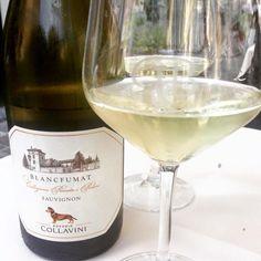 Iniziamo il venerdì sera con un bell'aperitivo!  www.gliortidelbelvedere.it  Telefono 02-49781425 White Wine, Alcoholic Drinks, Glass, Food, Drinkware, Corning Glass, Essen, White Wines, Liquor Drinks