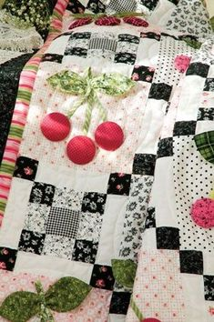 close up, Black Cherry quilt by Holly Holderman, free pattern at McCalls Quilting. Can't open the pattern, but love the idea. COuld use almost any applique in the big squares Patchwork Quilting, Applique Quilts, Quilting Room, Scrappy Quilts, Hand Quilting, Quilting Projects, Sewing Projects, Black And White Quilts, Black White