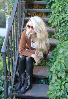 Long beachy blonde waves via caraloren.blogspot.com #cheerfullycharmed