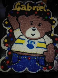 build a bear cupcake cake freehanded