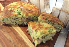 A super quick and easy quiche to prepare that has no pastry layer, instead there is a pastry mix inside the filling which gives the quiche body so that it stands up by itself. Quiche Recipes, Pastry Recipes, Appetizer Recipes, Baking Recipes, Egg Recipes, Bread Recipes, Appetizers, Polish Recipes, Savoury Recipes