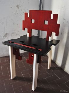 Interlocking Space Invader Chairs – Video Game History For Your Posterior!