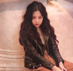 Jennie Kim Blackpink, Blackpink Photos, Yg Entertainment, Korean Singer, Rapper, Idol, Wattpad, Punk, Leather Jacket