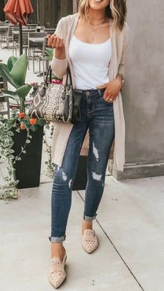 18 ideas latest fashion trends 2019 casual for 2020 Latest Indian Fashion Trends, Latest Fashion Dresses, Fashion Outfits, Fashion Ideas, Latest Trends, Fashion Inspiration, Women's Fashion, Autumn Fashion Classy, Boho Fashion Fall