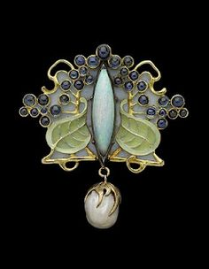 Lalique very well may have been my first inspiration. His nature inspired art nouveau Work in precious metals, gems and enamel have unbelievable beauty and grace. From Demi's Canvas: Art Nouveau jewellery designer: René Lalique Bijoux Art Nouveau, Art Nouveau Jewelry, Jewelry Art, Vintage Jewelry, Fine Jewelry, Gold Jewelry, Unusual Jewelry, Bullet Jewelry, Enamel Jewelry