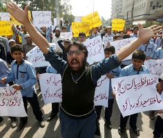 Protests erupt in Pakistan immediately after Hafiz Saeed&#039s detention  http://www.bicplanet.com/world-news/protests-erupt-in-pakistan-immediately-after-hafiz-saeed039s-detention/  #World
