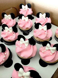 "Remember watching ""A Mickey Mouse Cartoon"" and wishing your were Minnie Mouse for at least a day? You won't regret a Minnie Mouse quinceanera theme! Minnie Mouse Party, Minni Mouse Cake, Bolo Da Minnie Mouse, Minnie Mouse Birthday Cakes, Minnie Mouse Baby Shower, Cupcake Birthday Cake, Birthday Cake Girls, Mouse Parties, Minnie Mouse Cupcake Cake"