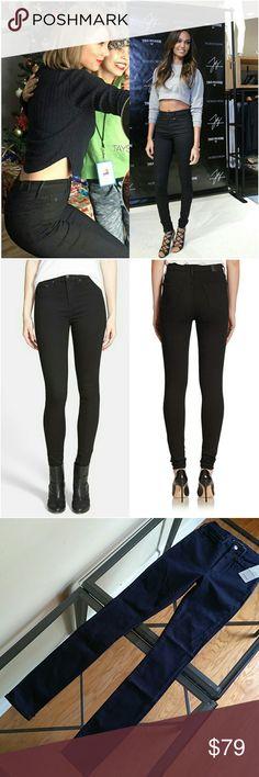 True religion Joan Smalls New inseam 32 in  Please note  24 is dark blue  23 is black True Religion Jeans Skinny