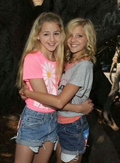Paige and Chloe are best friends, and just because paige had  to leave dance moms it's  splitting them up and it makes me really sad:-(
