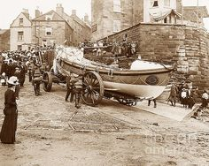 Robin Hoods Bay Lifeboat England © The Keasbury-Gordon Photograph Archive Vintage Pictures, Old Pictures, Old Photos, Yorkshire England, North Yorkshire, Wales, Robin Hoods Bay, Old Fisherman, Uk History