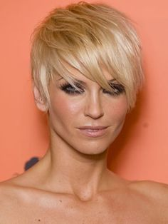 The always fierce Sarah Harding rocks her pixie with such style