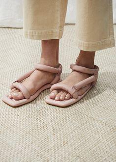 Nanushka Yola Puffed Sandal in Rose – The Frankie Shop