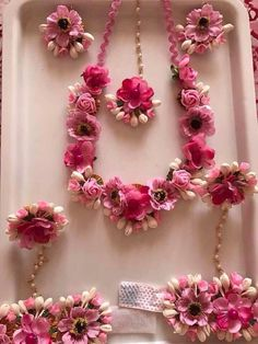 Think pretty pink floral jewellery to go for your mehendi outfit 💕 Wedding Wear, Wedding Events, Weddings, Wedding Tips, Diy Wedding, Wedding Flowers, Flower Jewellery For Haldi, Mehendi Outfits, Flower Ornaments