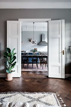 Gravity Home — Scandinavian apartment Follow Gravity Home: Blog... Scandinavian Style Home, Scandinavian Apartment, Scandinavian Doors, Gravity Home, Single Doors, Double Doors, Narrow Living Room, Living Spaces, Door Ideas