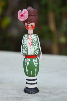 Vintage 70s Wooden Peg Doll Figurine Retro Boho by SycamoreVintage