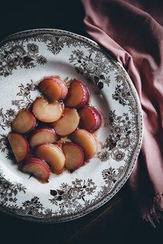Rufen Sie mich an kleinen Kuchen: Ein Pfirsich Karottenkuchen mit Frischkäse Frosting + Ein Blog Awards Finalist Saveur!