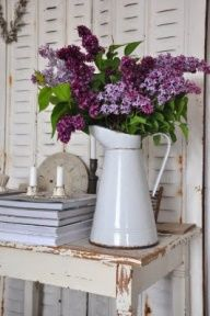 May Flower Decorating Ideas   http://debbedaleydesignsllc.blogspot.com/2013/04/april-showers-bring-may-flowersand-more.html