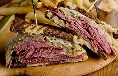Try this delicious Reuben sandwich recipe. This classic version is made with corned beef, but swap the traditional corned beef for pastrami for a Rachel. Pastrami Sandwich, Sandwiches, Grilled Sandwich, Best Sandwich, Sandwich Recipes, Homemade Pastrami, Sauce Crémeuse, Best Meat, Stuffed Peppers