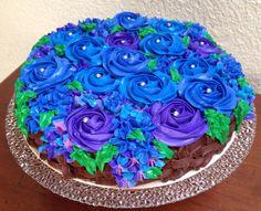 Canasta floral de pastel de manzana con chocolate y nuez. Arte, Amor y sabor repostería personalizada.