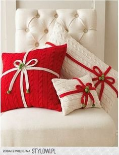 Cute pillows made from recycled sweaters! Speckled Fawn: Ideas for The Enchanted Christmas - 271 pictures of DIY, decoration and ornaments!
