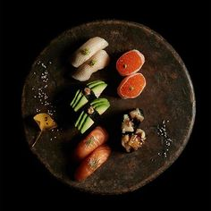 A new sushi spot has reached Berlin: @sticksnsushi_de is serving delicious sushi made from the freshest ingredients in a scenic atmosphere. More information now on creme guides #sushitime #sticksnsushi #berlinrestaurant #berlinfood #sushiplatter #restaurant #cremeguides #cremeberlin