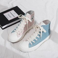 Dr Shoes, Hype Shoes, Me Too Shoes, Mode Converse, Sneakers Fashion, Fashion Shoes, Aesthetic Shoes, Fresh Shoes, Pretty Shoes