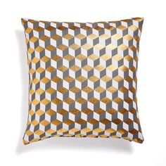Decio Cotton Geometric Cushion Cover LA REDOUTE INTERIEURS The Decio cushion cover. These pretty geometric patterns will give a graphic note to your decor! French Living Rooms, Retro Living Rooms, Living Room Kitchen, Pantone, Tumbling Blocks, Geometric Cushions, Soft Furnishings, Home Textile, Cushion Covers