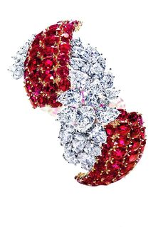 "Twitter / HarryWinston: In 1930, Harry Winston acquired the ""Lucky"" Baldwin estate jewelry collection which included a 26-carat ruby."