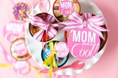 Print off an easy ice cream gift tag for Mother's Day to celebrate Mom with something super sweet! This is such a cute way to surprise a mom with her favourite treat. Pick up a few flavors an…