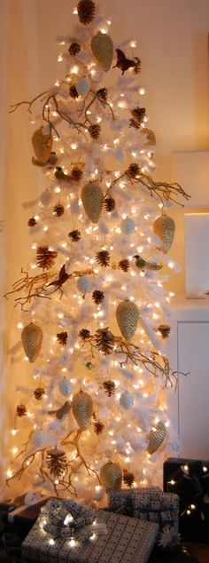 White Tree by theartofdoingstuff #Christmas_Tree #White