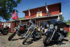 Southern Biker Bar - Reni's Rooster