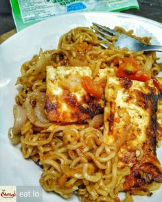 Via @eat.lo - Crispy Cheese or Paneer Maggi Noodles that I made for late night munchies.. used the Hot Heads version added my know onion and tomatoes - cannot describe how awesome it tasted. Used #MotherDairyPaneer cut into small slabs or fillet grilled them crispy and the let the noodles cook with it. The paneer by @MotherDairy was surprisingly juicy and had lot of texture perfectly complimenting my hot and spicy instant noodles. #IncredibleIndia #Eatlo #Foodiye #indianfoodiye - #regrann