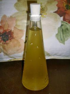 A minha avó Zita , avó paterna, alentejana, fazia muitas vezes este delicioso licor. Posteriormente, a minha mãe, Ana Maria , através da...
