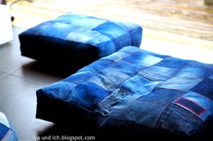 Jeansbodenkissen / Pillows to sit on made from old pairs of jeans / Upcycling
