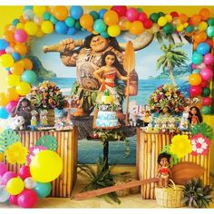 Image may contain: 1 person, standing Moana Theme Birthday, Moana Themed Party, 3rd Birthday Parties, 2nd Birthday, Moana Party Decorations, Diy Birthday Decorations, Party Themes, Art Party, Balloons