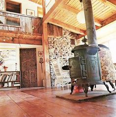 old stove ♥ Dream Home Design, My Dream Home, House Design, Wood Burning Furnace, Outdoor Wood Furnace, Hanging Fireplace, Old Stove, Cast Iron Stove, Antique Stove
