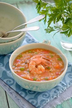 Rice and shrimp stoup... fabulous blog about Dominican cooking.