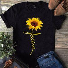Usa sunflower shirt, sunflower clothing, drawing clothes, outfits, t Sunflower Clothing, Sunflower Shirt, Sunflower Quotes, Sunflower Jewelry, 40s Outfits, Cute Outfits, Fashion Outfits, Cheap Outfits, Emo Fashion