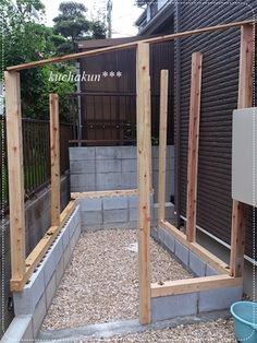 Japanese Carpentry Lean To Greenhouse Enclosed Patio Concrete Wall Side Garden Shed Storage Shed Plans Home And Garden Construction Backyard Greenhouse, Backyard Sheds, Chickens Backyard, Backyard Landscaping, Garden Tool Shed, Casa Patio, Diy Shed Plans, Tool Sheds, Shed Design