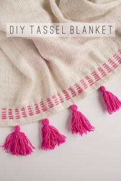 DIY Tassel blanket using IKEA blanket and handmade yarn tassels Embroidery Stitches, Embroidery Patterns, Hand Embroidery, Sewing Patterns, Diy Tassel, Tassels, Do It Yourself Mode, Sewing Crafts, Sewing Projects