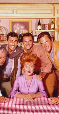 Burt Reynolds, James Arness, Amanda Blake, Ken Curtis, and Milburn Stone in Gunsmoke Hollywood Icons, Classic Hollywood, Ken Curtis, Tv Show Casting, Matt Dillon, Burt Reynolds, Tv Westerns, Thing 1, Old Tv Shows