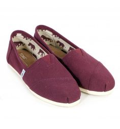 Toms Women's Classic Canvas Wine - With Tom's 'One for One' Moto to donate a pair to a child in need for every pair purchased, what better way to make Mum feel special.